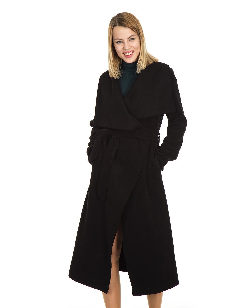 Zara płaszcze inspirowane europejskimi stolicami, płaszcze trencze w nowej odsłonie – outlet przegląd koszul